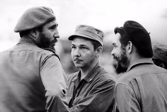 Фидель, Рауль и Че.