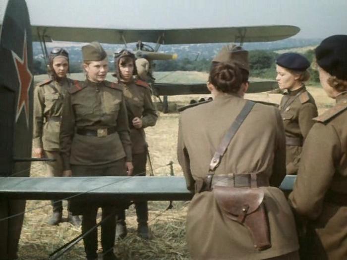Фильм о лётчицах сняла одна из знаменитых лётчиц.