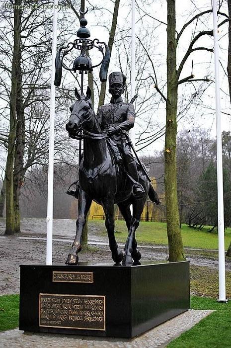 Памятник кавалеристам-татарам в Гданьске.