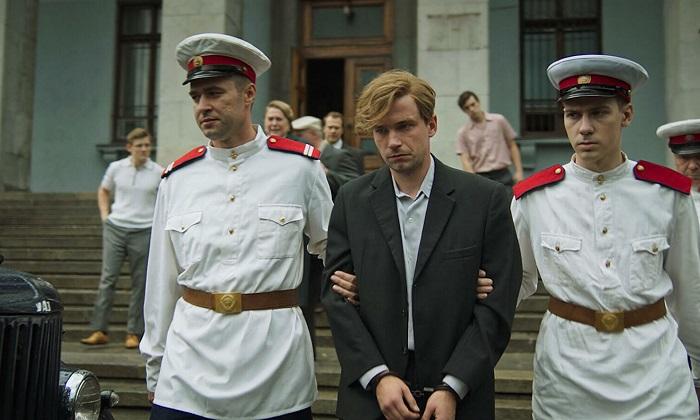 Кадр из фильма *Стрельцов*.
