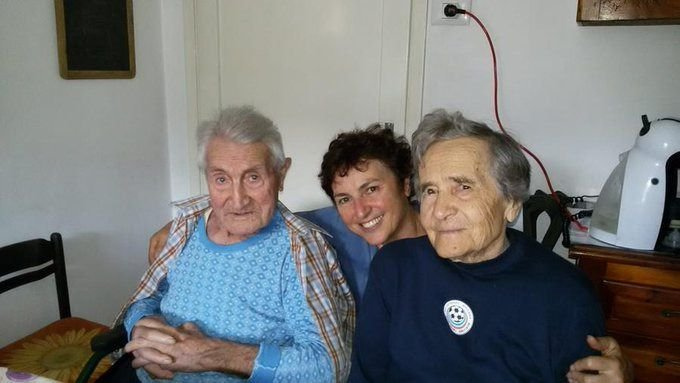 Альберто Белуччи - слева. Фото из твиттера издания La Stampa.