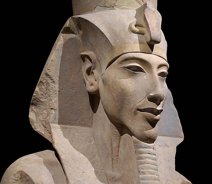 Перед катастрофой бронзового века Египтом правили великие фараоны, вроде Эхнатона.