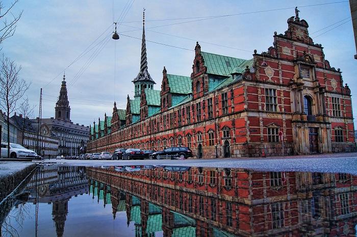 Здания в Копенгагене при Андерсене выглядели так же, как и сейчас.
