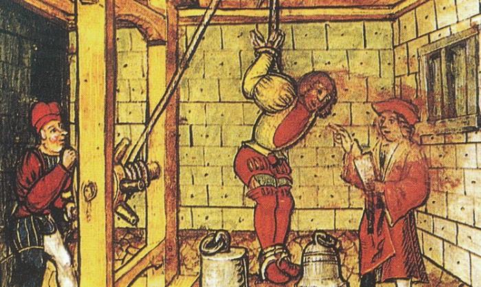 В Средние Века верили, что признание - мать доказательств, и даже страшная боль не заставит человека себя оговорить.
