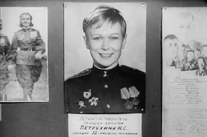 В годы войны Надежда служила в авиаполку. Кадр из фильма.