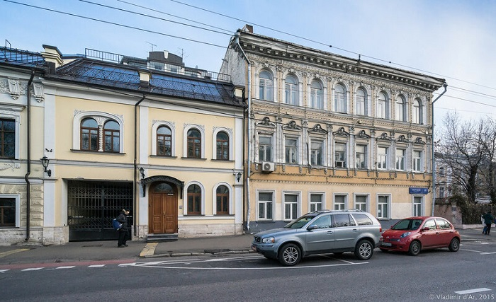 Фасад бывшего дома Кириковых радовал всех прохожих.
