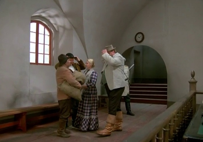 Самые нарядные в фильме - горожанка Кайса и богач Партанен.