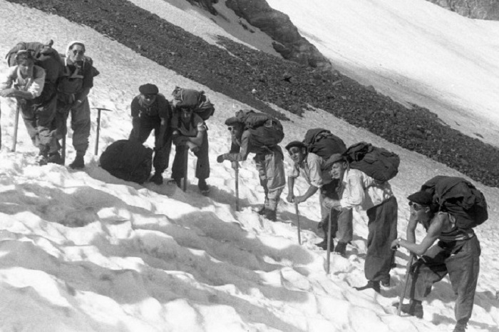 Альпинизм был популярным хобби в Советском Союзе.