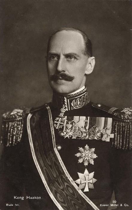 Король Хокон, собрав вокруг себя правительство Норвегии, выступил с радиообращением, которое чуть не стоило ему жизни. Он призвал норвежцев сопротивляться нацистам.