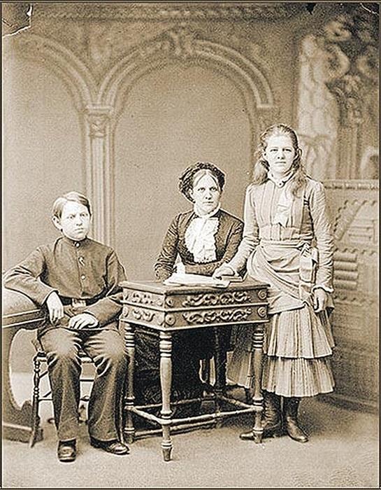 Жена и дети Достоевского.