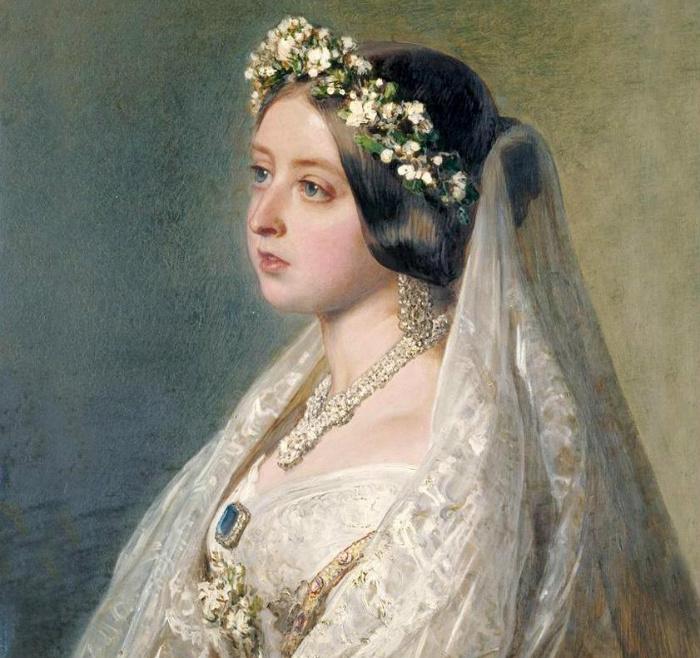 Виктория в свадебном наряде