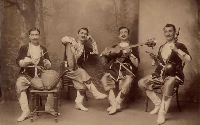 Грузинские хоры всегда были мужскими.