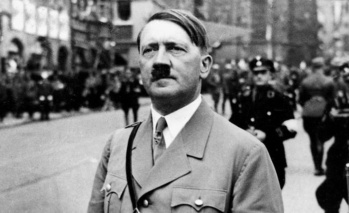 Гитлера собирались показательно судить и повесить. Чтобы нельзя было повесить даже труп, Гитлер приказал сжечь своё тело.