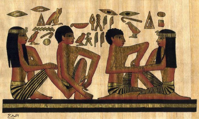 В Древнем Египте считали красивыми гибкие, подвижные руки и ноги.