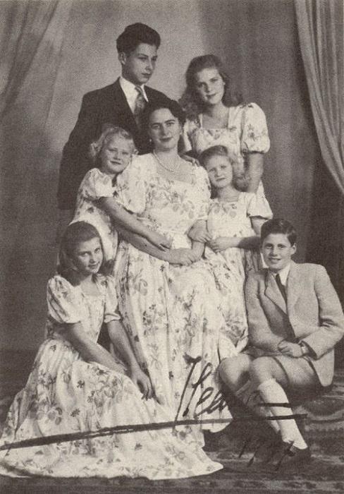 Иляна со всеми своими детьми от эрцгерцога Антона.