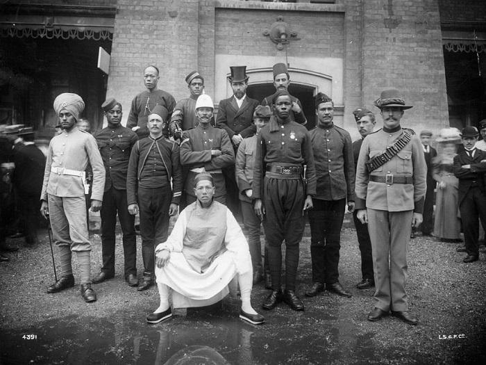 Британские военнослужащие с разных концов империи родом.