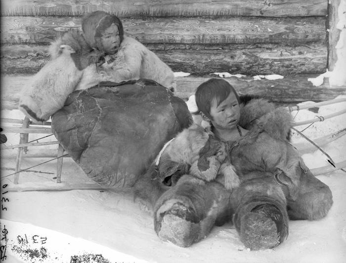 Чукотские дети.