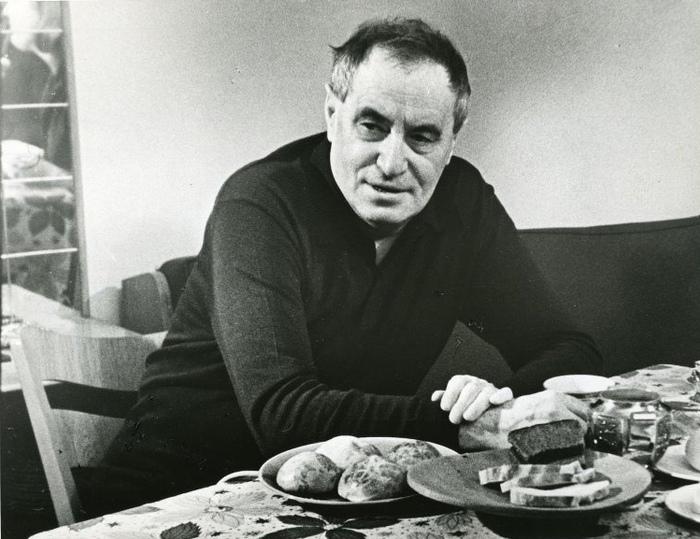 Писатель Валентин Катаев.