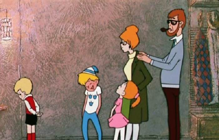 Сказочница не раскрыла роль отца в жизни Малыша.