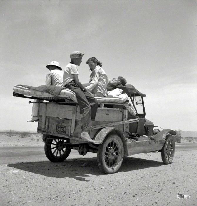 Автомобиль - последнее, от чего отказывалась американская семья. В автомобиле буквально жили, колеся по Штатам в поисках работы.