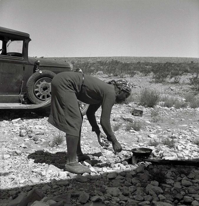У чернокожей женщины не было шансов на работу вообще. Даже прачкой, а это была самая тяжёлая и неблагодарная из женских работ.