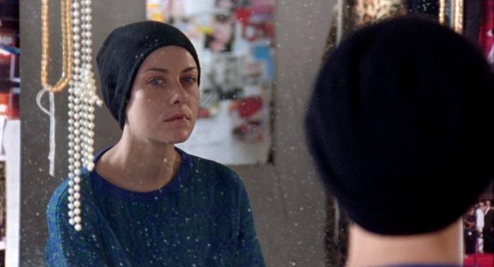 Рита узнаёт, что смертельно больна и все её цели бессмысленны. Кадр из фильма «Звезда». Студии Марс Медиа Энтертейнмент, Магнум.