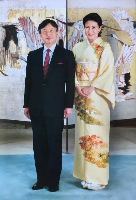 Японскую императрицу увидеть в кимоно легче, чем японского императора.