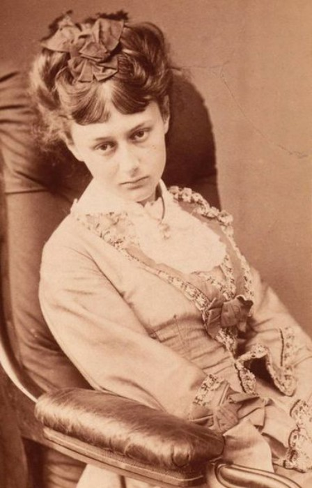 Повзрослевшая Алиса