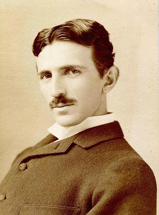 Молодой Никола Тесла.