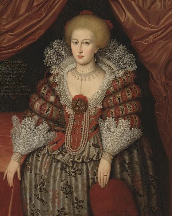 Мария Элеонору пытались представить новой Хуаной Безумной.
