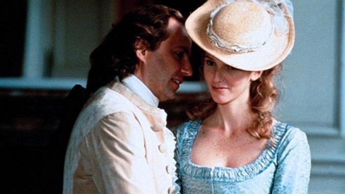 Хотя Мари Жюли играла большую роль в жизни Бомарше, даже в современных фильмах о нём фигурируют любые другие женщины, но только не сестра.