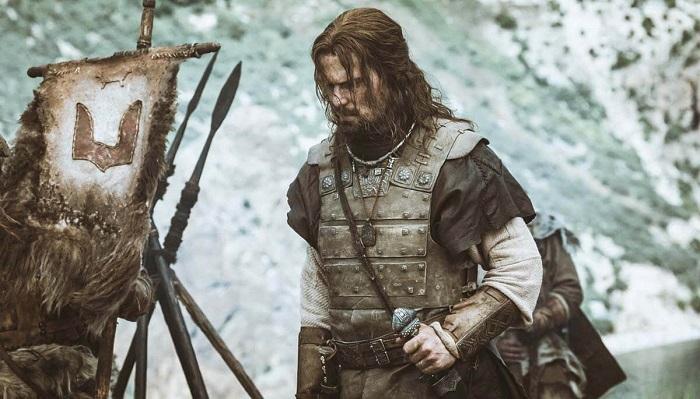 Таким видят Владимира, одного из первого князей со славянской кровью, создатели фильма *Викинг*.