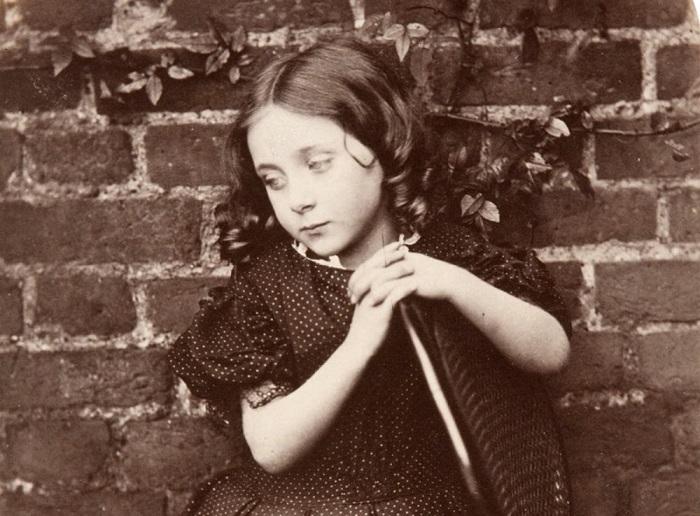Кэрролл оставил после себя множество фотографий маленьких девочек.