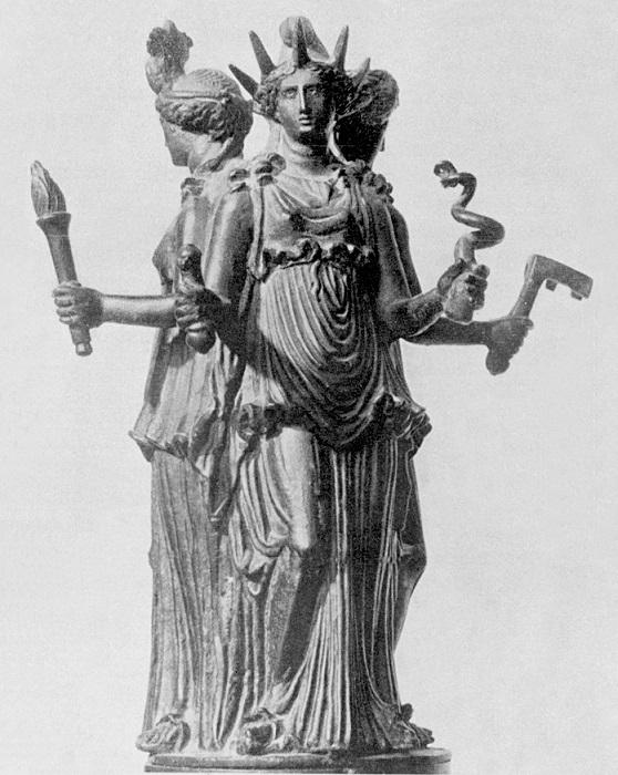 Статуя Гекаты напоминает статую Свободы.