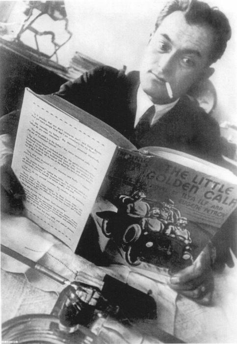Писатель Евгений Петров на всех своих фото молод.