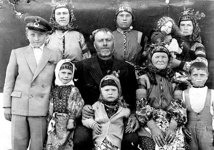 Фотография казацкой семьи Шкодриных, Турция, 1959 год.