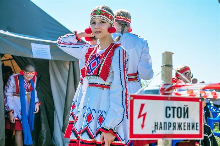 Девочка-мокшанка. Фото: nazaccent.ru.