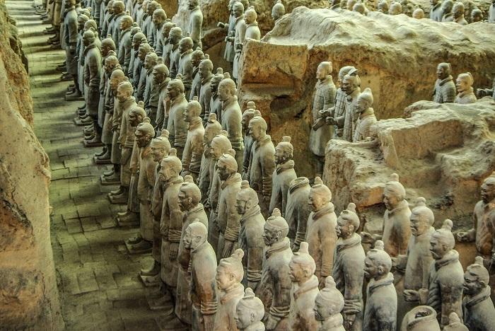 Терракотовая армия — самые древние китайские ростовые скульптуры из найденных археологами.