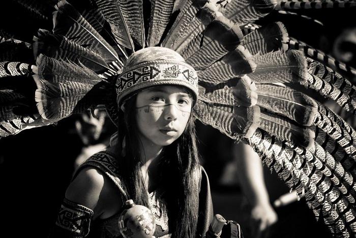 Девочки у разных коренных народов Америки традиционно участвовали в большом количестве обрядов.
