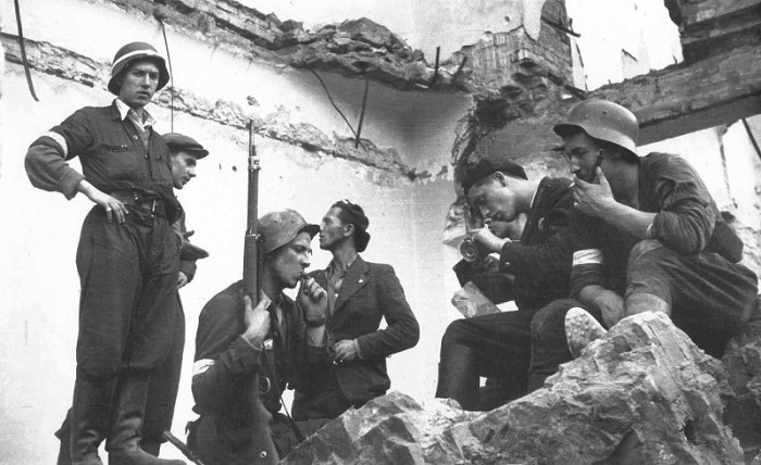 Повстанцы Варшавского гетто.