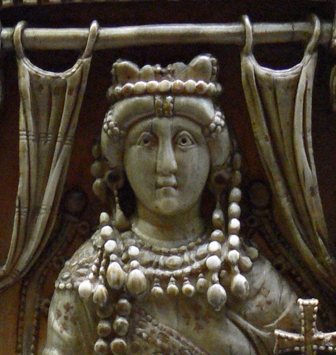 Императрице Ариадне первый муж очень не нравился, но разводов не было.