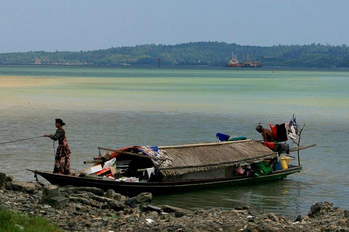 Семейная лодка баджао. Фотография Торбена Веннинга.
