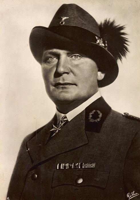 Герман Геринг, как и Карлсон, был упитан.