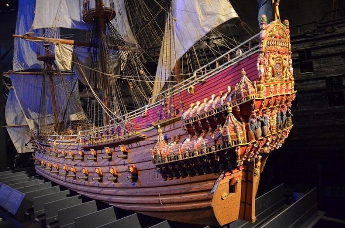 Корабль был очень красив, его ведь сразу назначили королевским. Фото модели-реконструкции.