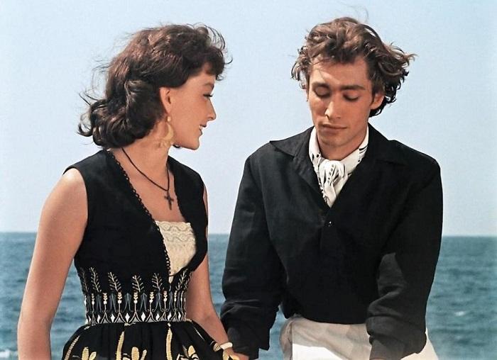 Главные герои книги - юноша и девушка из коренного населения Аргентины, которые противостоят белому капиталисту Педро Зурите.