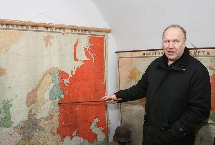 Эстонский министр Март Хельме видит в новом правительстве Финляндии красную угрозу.
