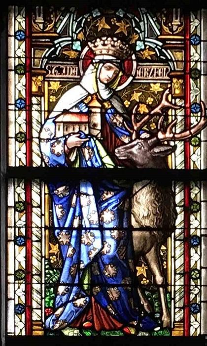 Витраж с изображением святой Иды.