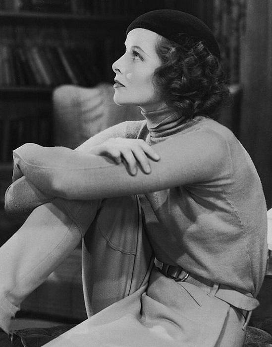 В жизни Кэтрин одевалась совсем не так, как на экране, и предпочитала брюки платьям. Многие поэтому думали, что она лесбиянка, но Кэтрин раз за разом выбирала мужчин.