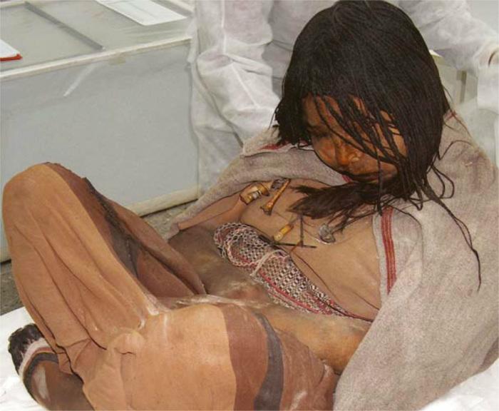 Мумия девочки, принесённой в жертву. Перед смертью жертв инки не мучили