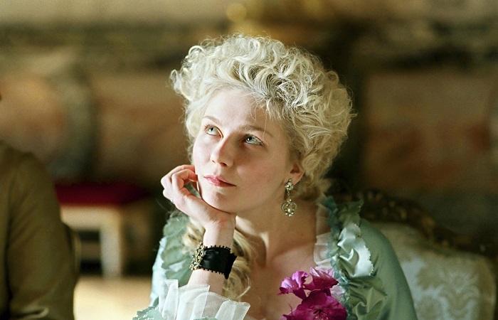 Кадр из фильма *Мария-Антуанетта*.